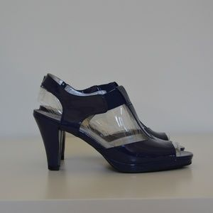 Life Stride Navy Patent Leather Sandals Size 9